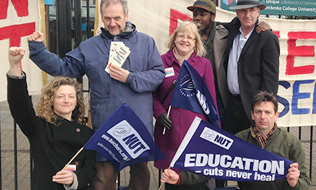 Hackney NUT members on strike at BSix College today. Photograph: Lucy Capes