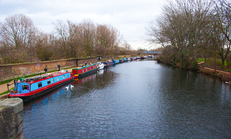 houseboaters river lea